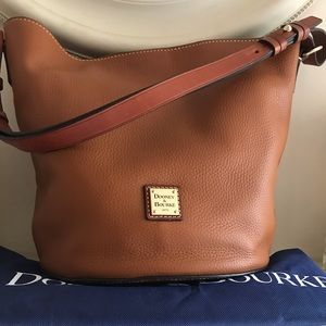 New Dooney & Bourke Thea Feed Bag